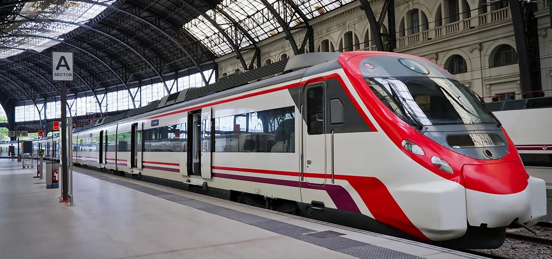 train-at-station1920x900